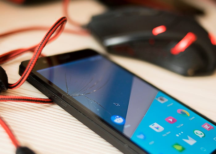 With this trick you can use your Android when the screen is broken and does not respond